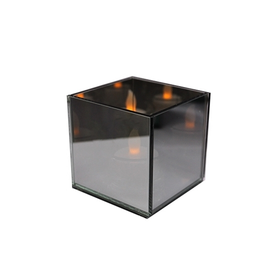 صورة Glass Tealight Holder - 8 x 8 Cm