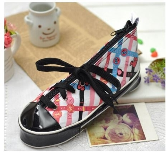 صورة Pencil Case Shoe Shape - 23 x 10 x7 cm