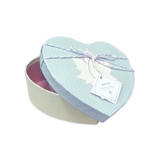Picture of BLUE & WHITE HEART BOX - CM 18 x 17 x 7cm